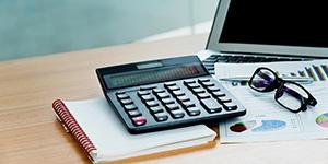 税理士に欠かせない「電卓」。ベストな電卓の選び方は?