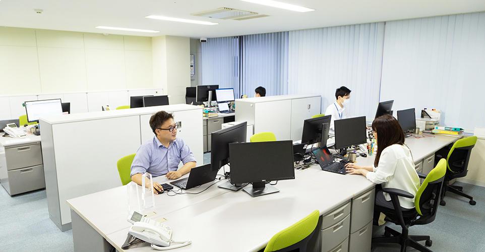 立川事務所 執務室